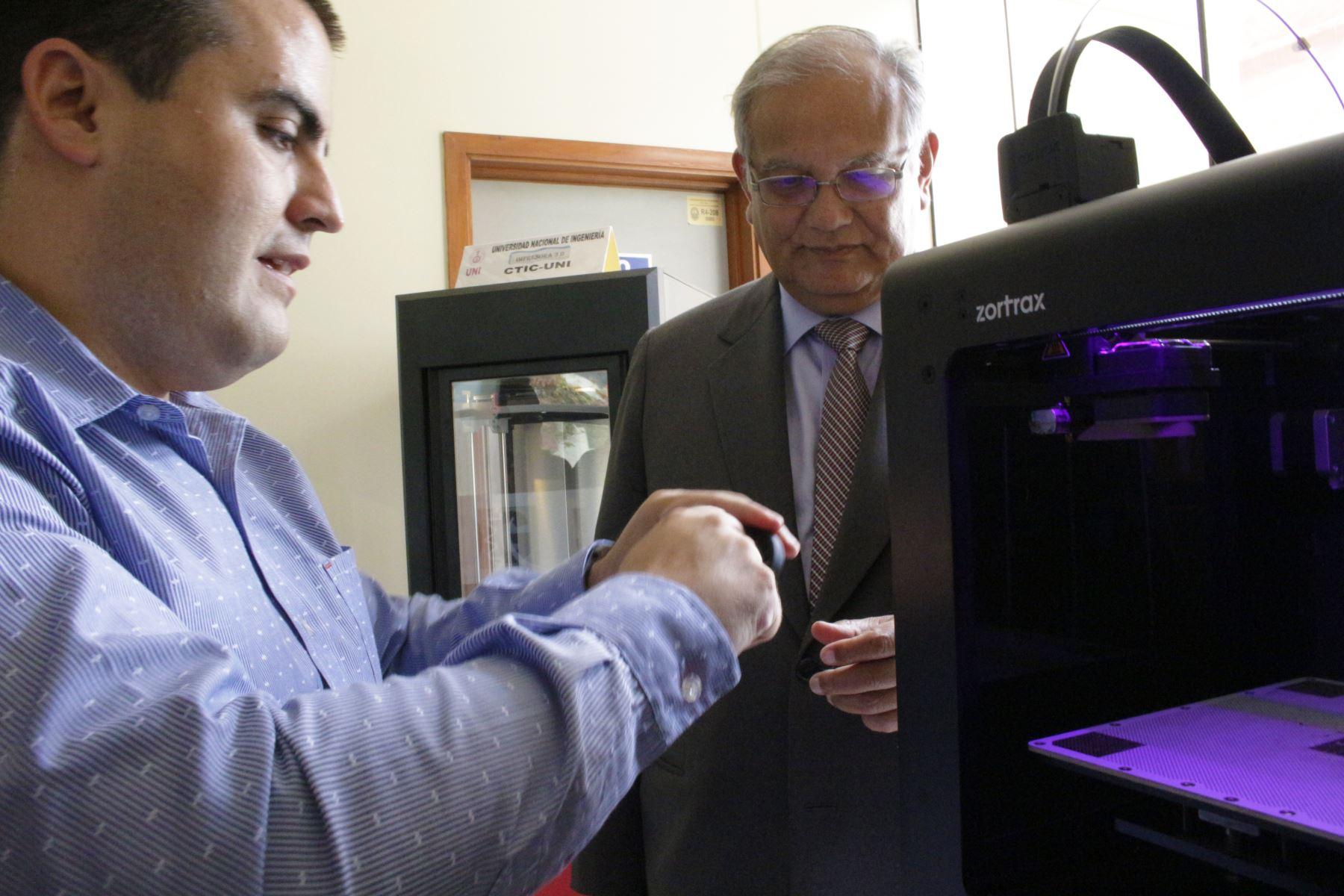 Moderno laboratorio en UNI permitirá realizar prótesis en 3D. Foto: Difusión
