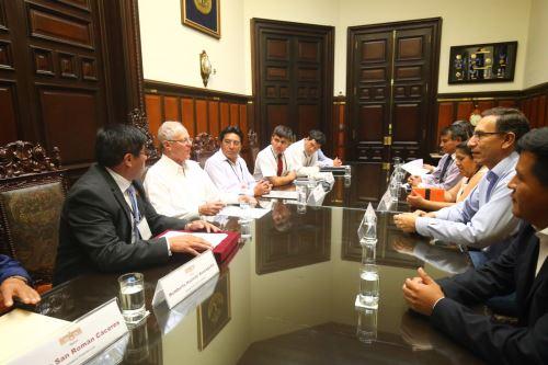 Presidente Pedro Pablo Kuczynski se reúne con alcaldes de la mancomunidad de Urubamba. Foto: ANDINA/ Prensa Presidencia