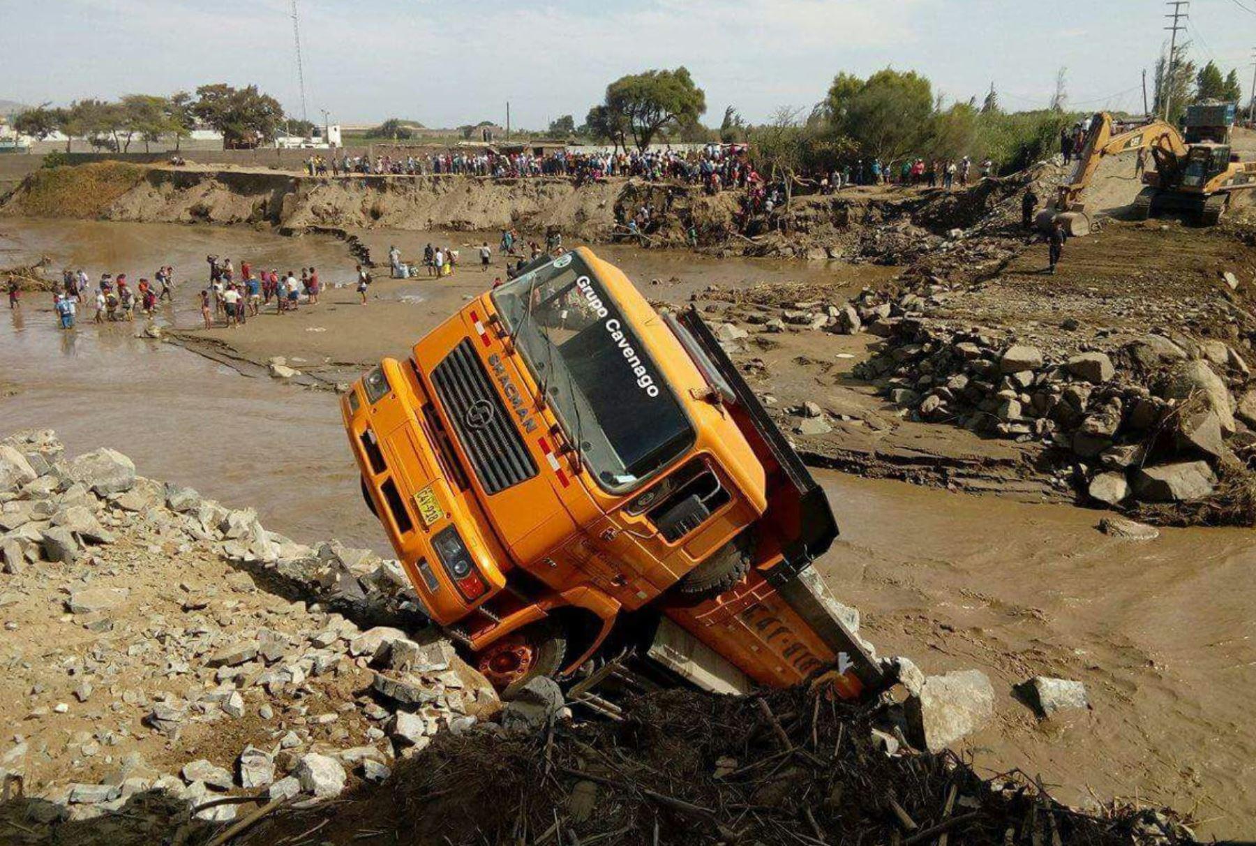Desborde del río Shisho obstaculiza tramo de la Panamericana Norte. Foto: ANDINA