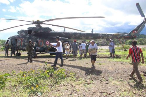 Ejército entrega ayuda humanitaria a damnificados de zonas de frontera en Sullana, Piura. ANDINA