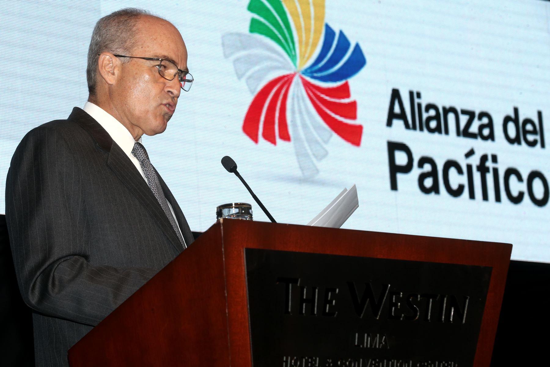 LIMA,PERÚ-ABRIL 28.Roque Benavides presidente de la CONFIEP participa en el II Encuentro de Integración Financiera de la Alianza del Pacífico. Foto:ANDINA/Oscar Farje Gomero.
