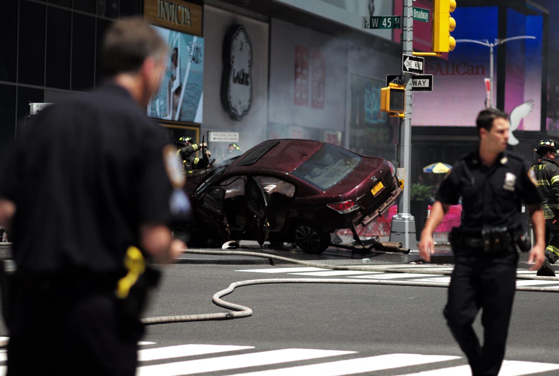 Resultado de imagen para Un muerto y trece heridos por atropello múltiple en Times Square