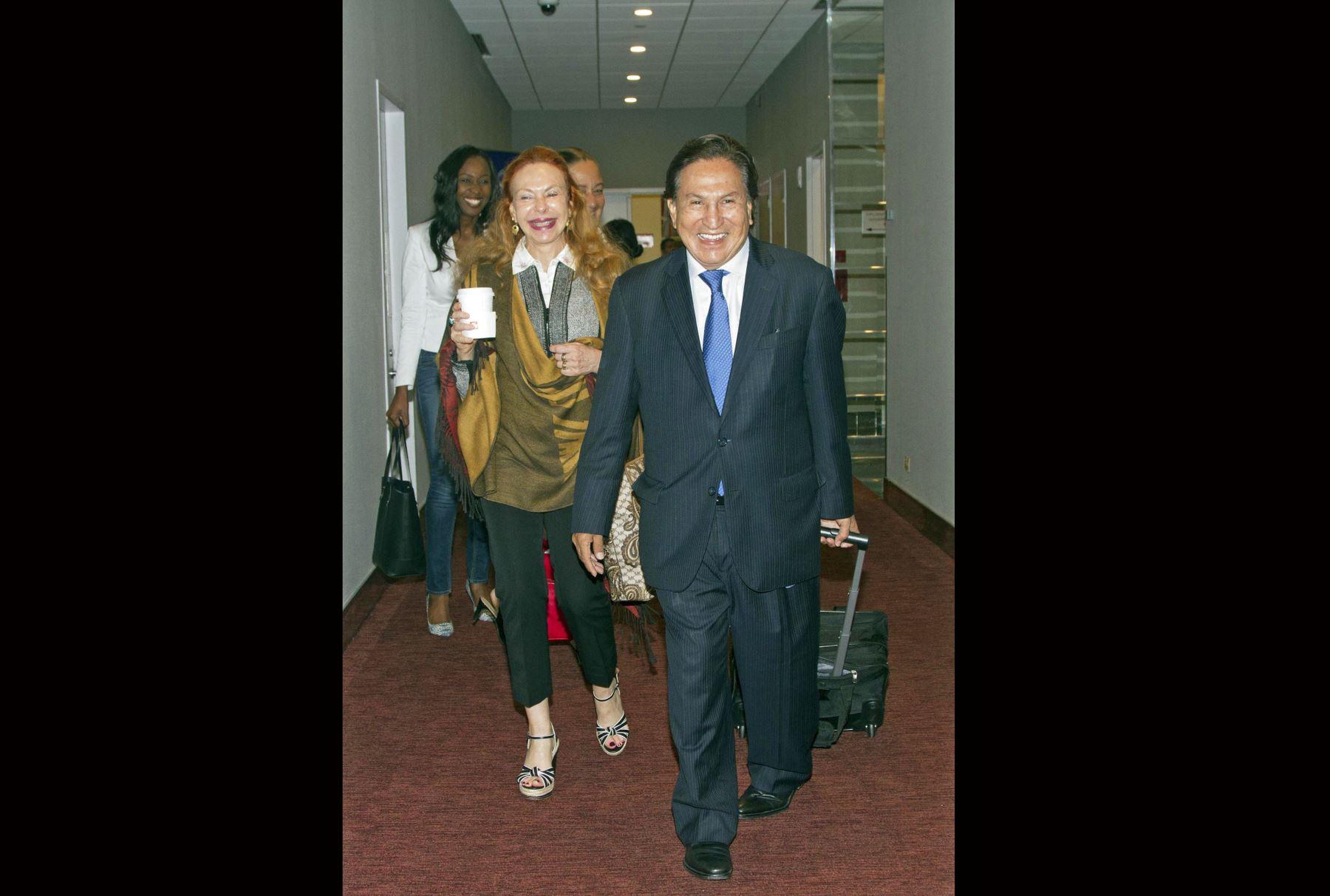 El expresidente Alejandro Toledo, ofrece una conferencia sobre políticas de desarrollo en Nueva York. Foto: EFE