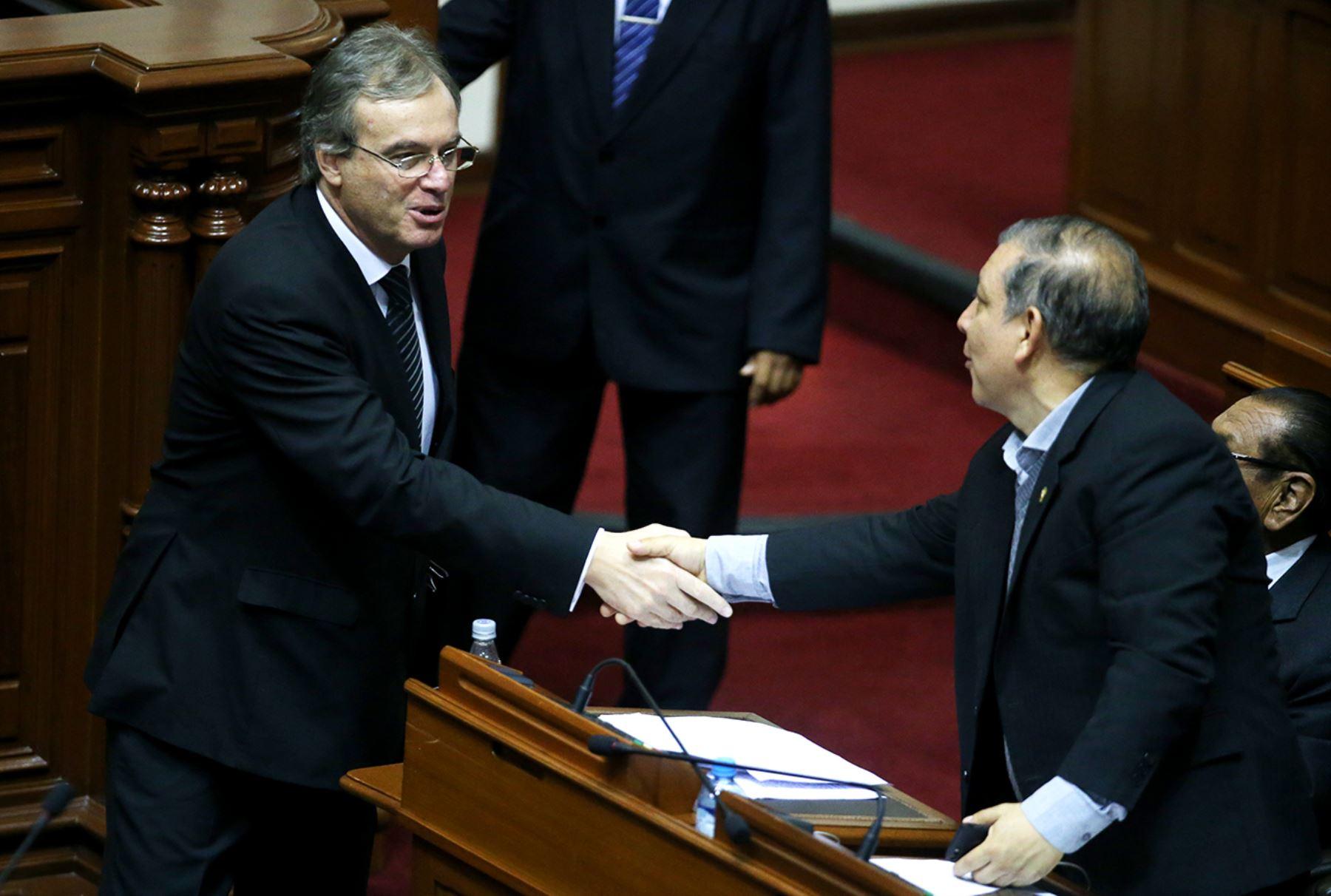 Lima per junio 21 ministro del interior carlos for Foto del ministro del interior