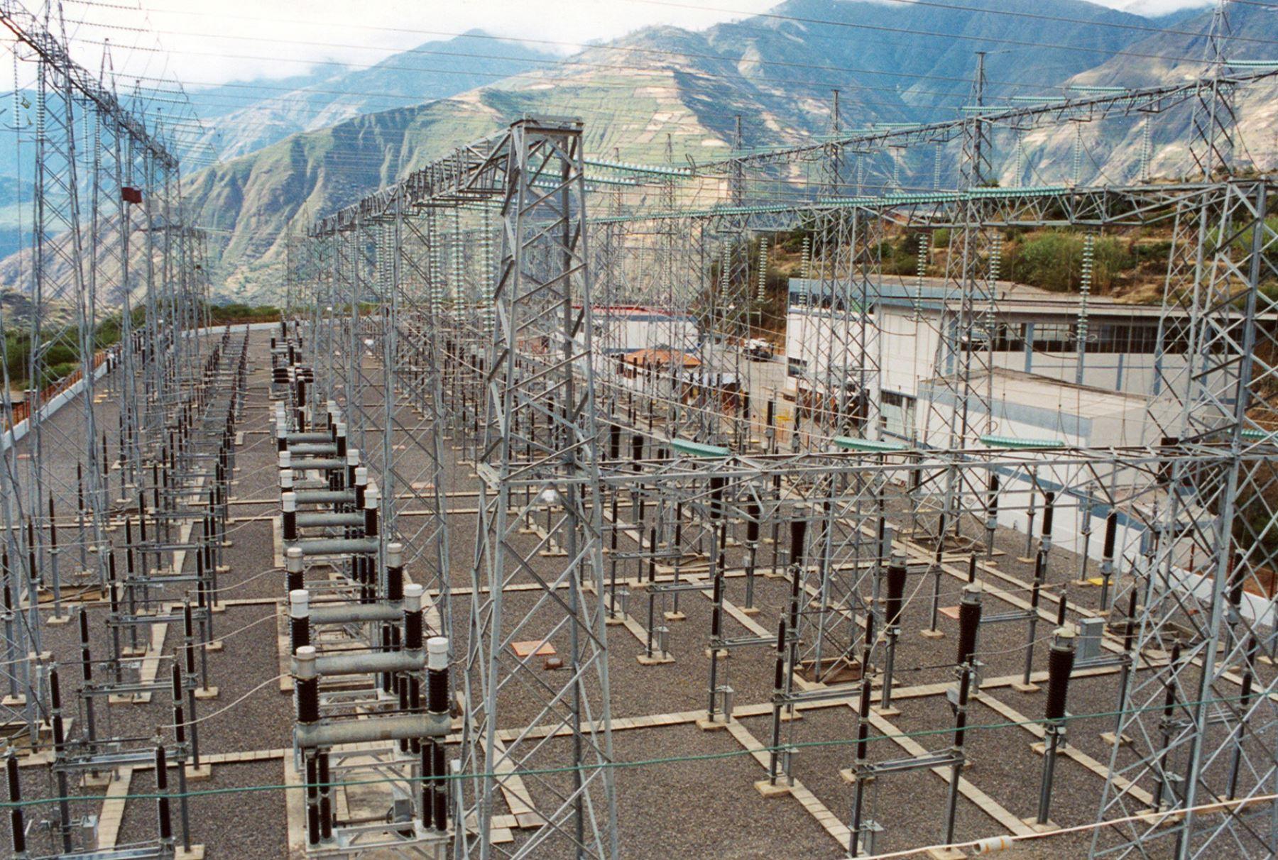 Proinversión adjudicó 2 proyectos de enlace de transmisión por US$ 272 mllns