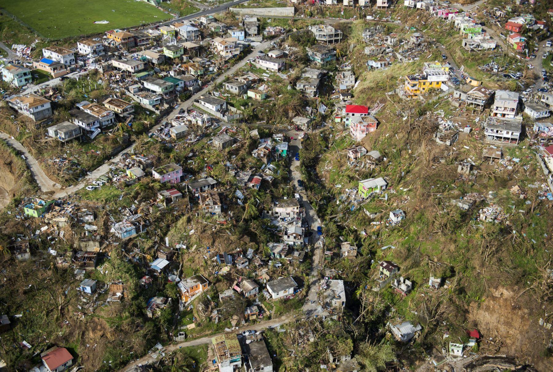 Roseau, isla caribeña de Dominica, muestra la destrucción, tres días después del paso del huracán María. Dominica. Foto:AFP