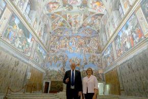 El presidente Kuczynski realizó una visita guiada por la Biblioteca Apostólica Vaticana, la Basílica de San Pedro y la Capilla Sixtina. Foto: ANDINA/ Prensa Presidencia/ Andres Valle