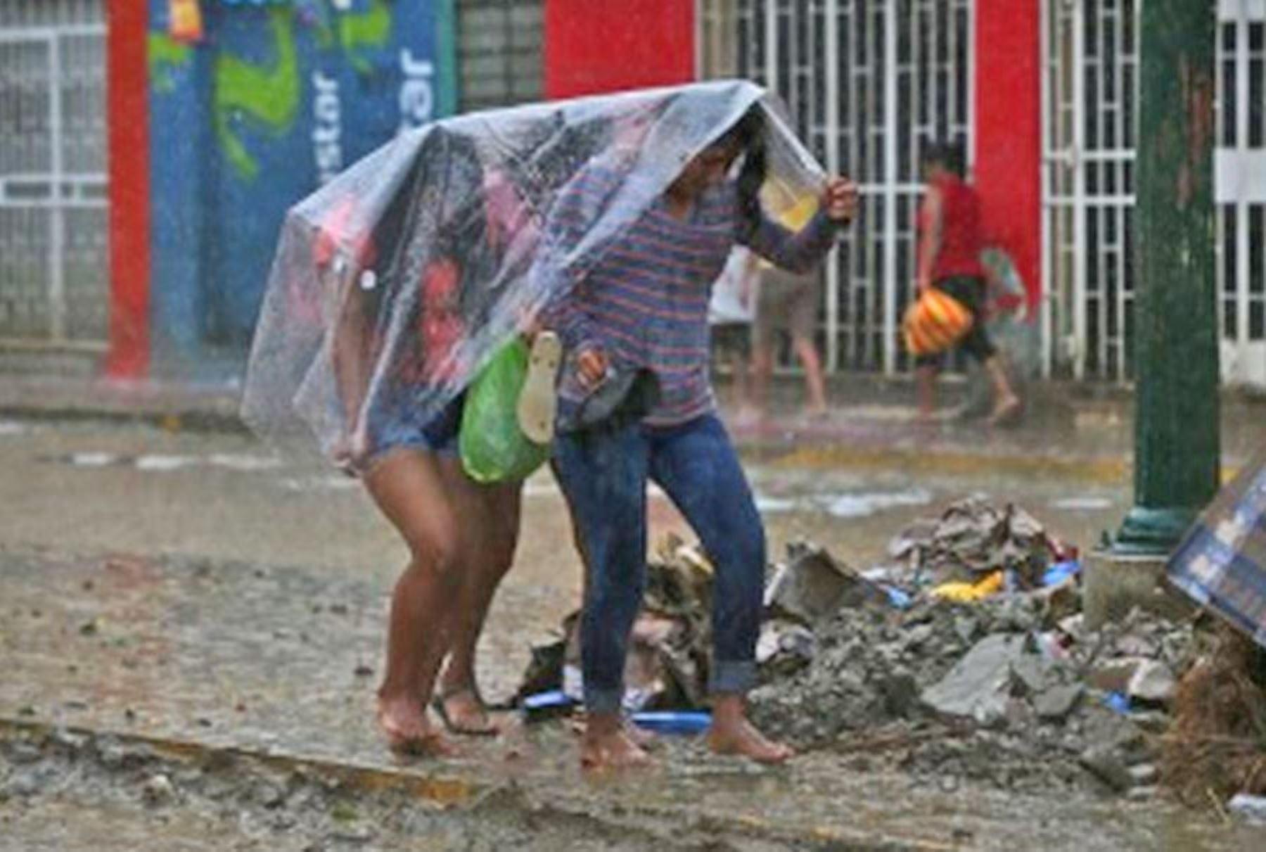 Resultado de imagen para Precipitaciones moderadas y fuertes se presentarán desde esta tarde en 20 regiones