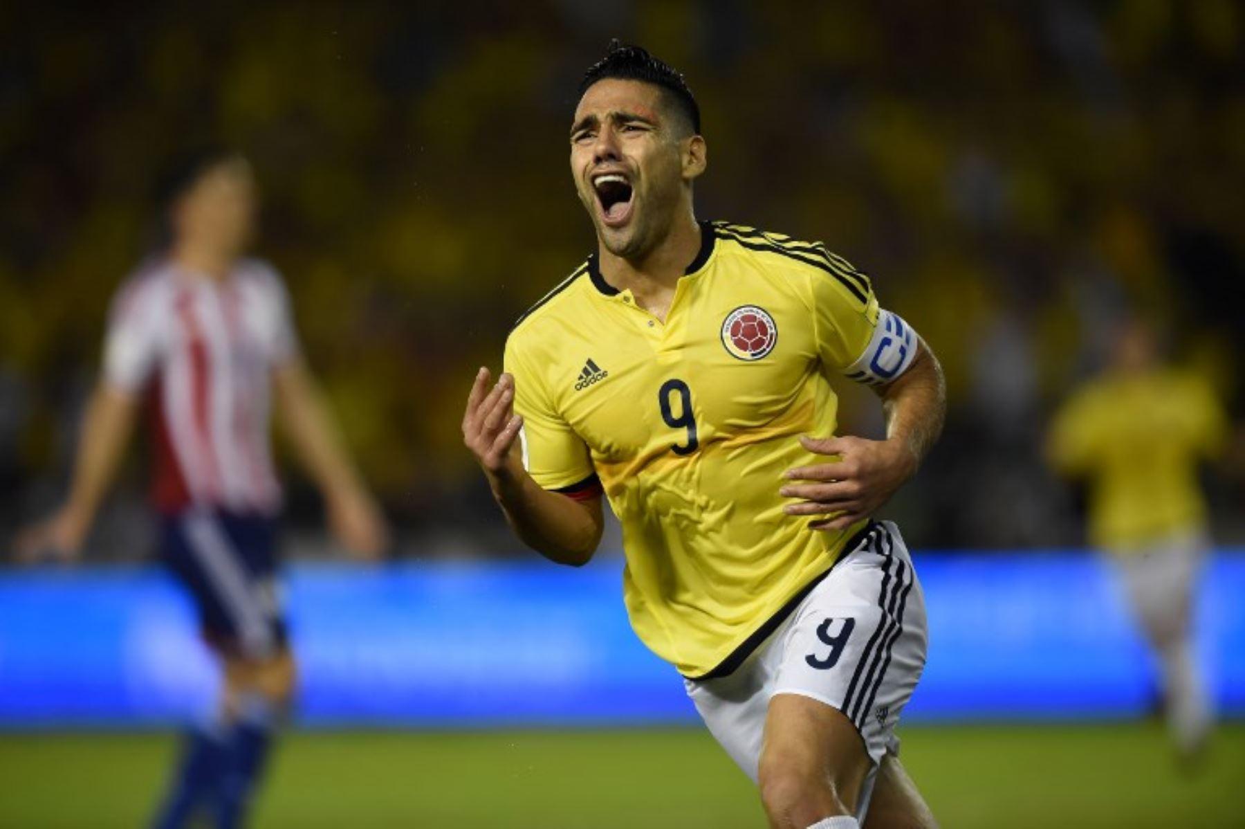 Selección de Colombia llega esta tarde para enfrentar a Perú