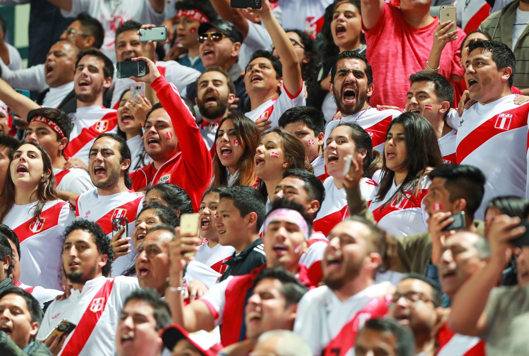 12/10/2017   La Selección Peruana de Fútbol se enfrenta a su similar de Colombia por las eliminatorias sudamericanas a la Copa Mundial de la FIFA Rusia 2018. Foto: ANDINA/Carlos Lezama