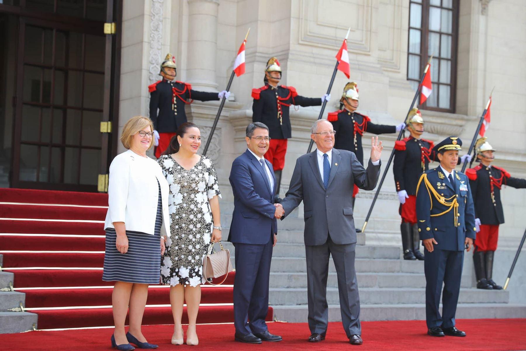 Ecuador y Honduras refuerzan su relación social y comercial