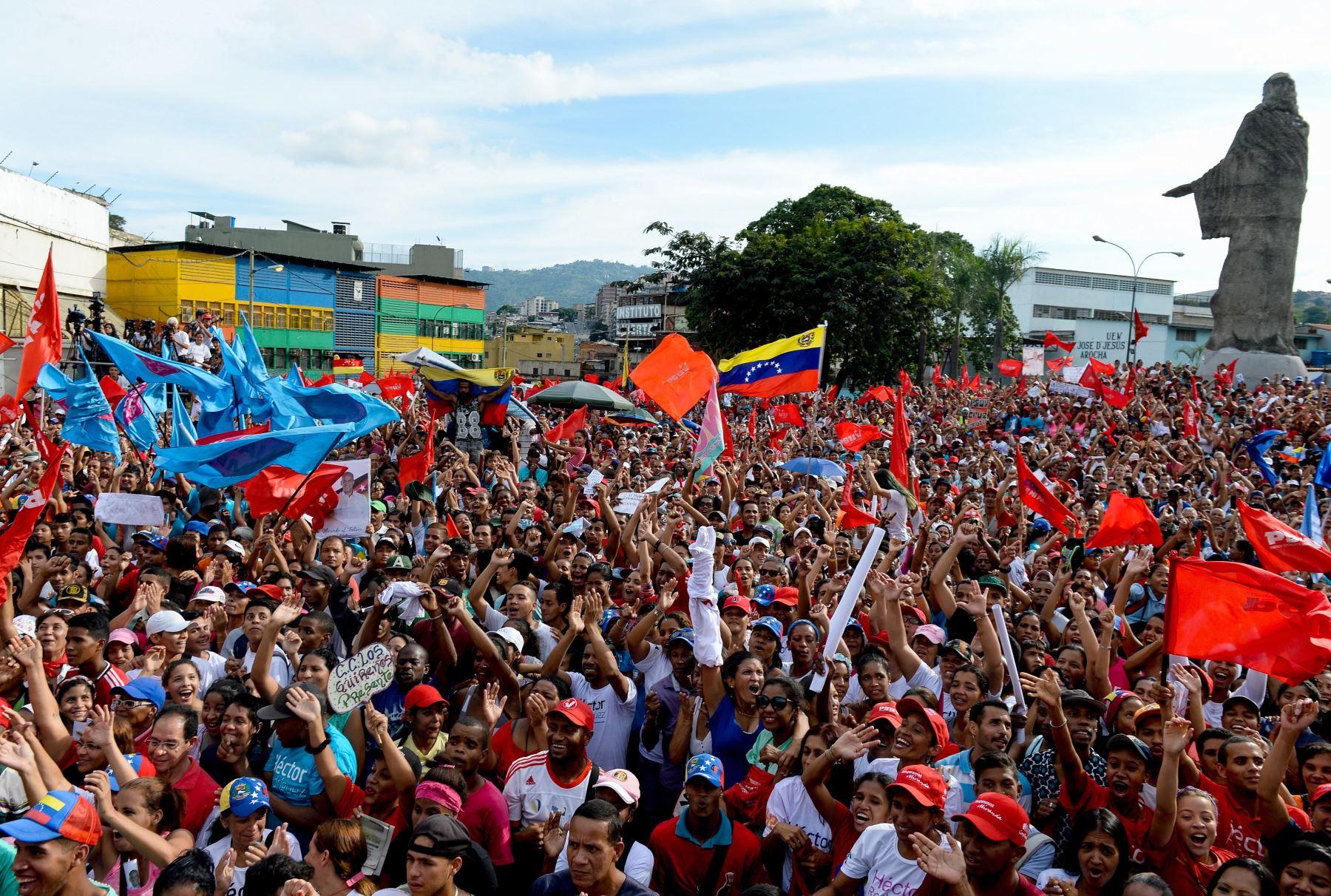 VENEZUELA: Kuczynski pide elecciones transparentes e imparciales en Venezuela
