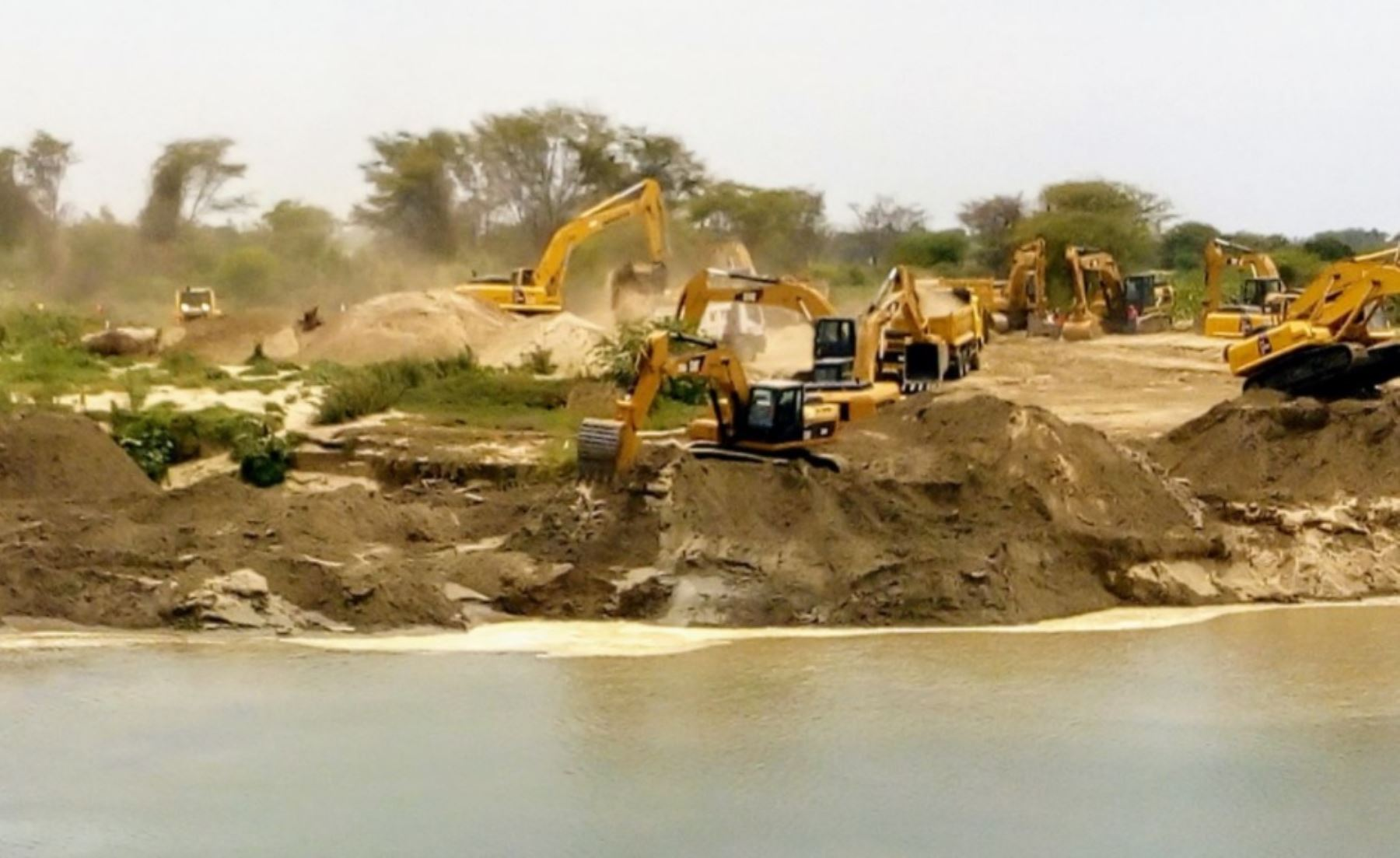 Kuczynski: obras de limpieza de ríos en Piura generan 6000 empleos