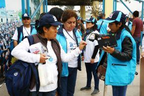 LIMA PERÚ, OCTUBRE 22. Empadronadores debidamente acreditados  listos para iniciar su labor en el Censo Nacional 2017.   Foto: ANDINA/Melina Mejía