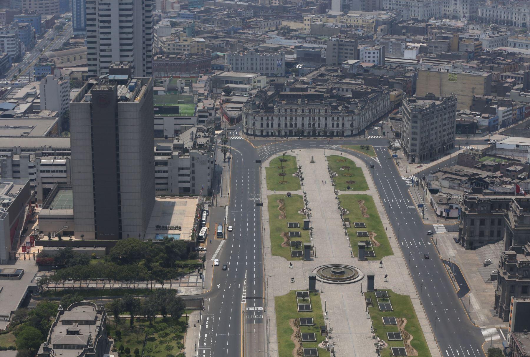 LIMA PERÚ, OCTUBRE 22. Vistas panoramicas de calles y plazas vacías de Lima durante el Censo Nacional 2017. Foto: ANDINA/ Jhony Laurente