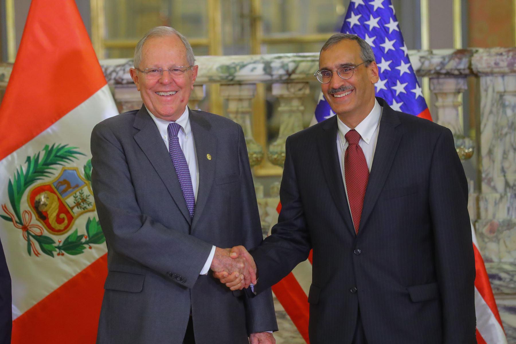 PPK recibió credenciales de nuevo embajador de Estados Unidos
