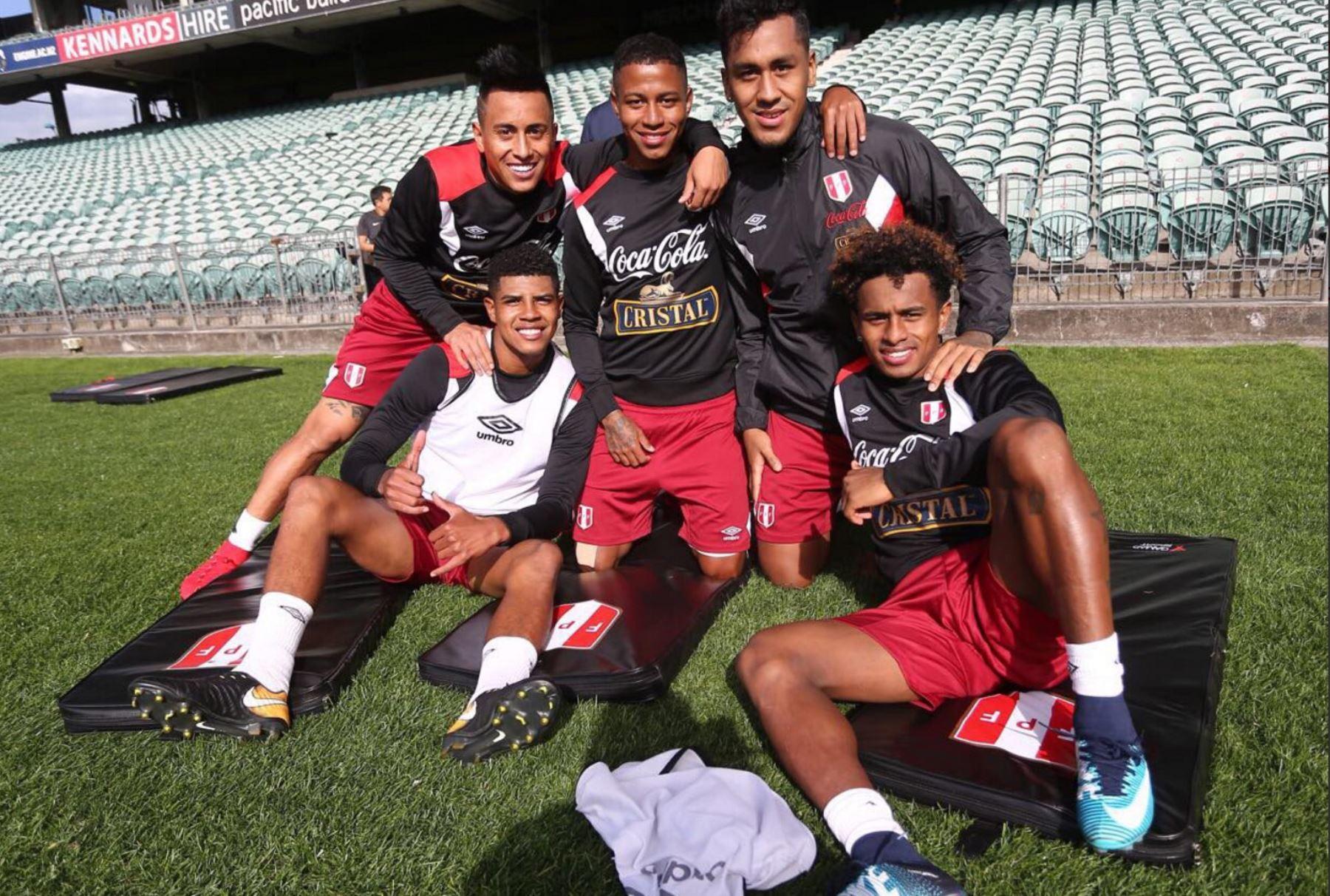 Resultado de imagen para Selección peruana realiza su primer entrenamiento en Nueva Zelanda