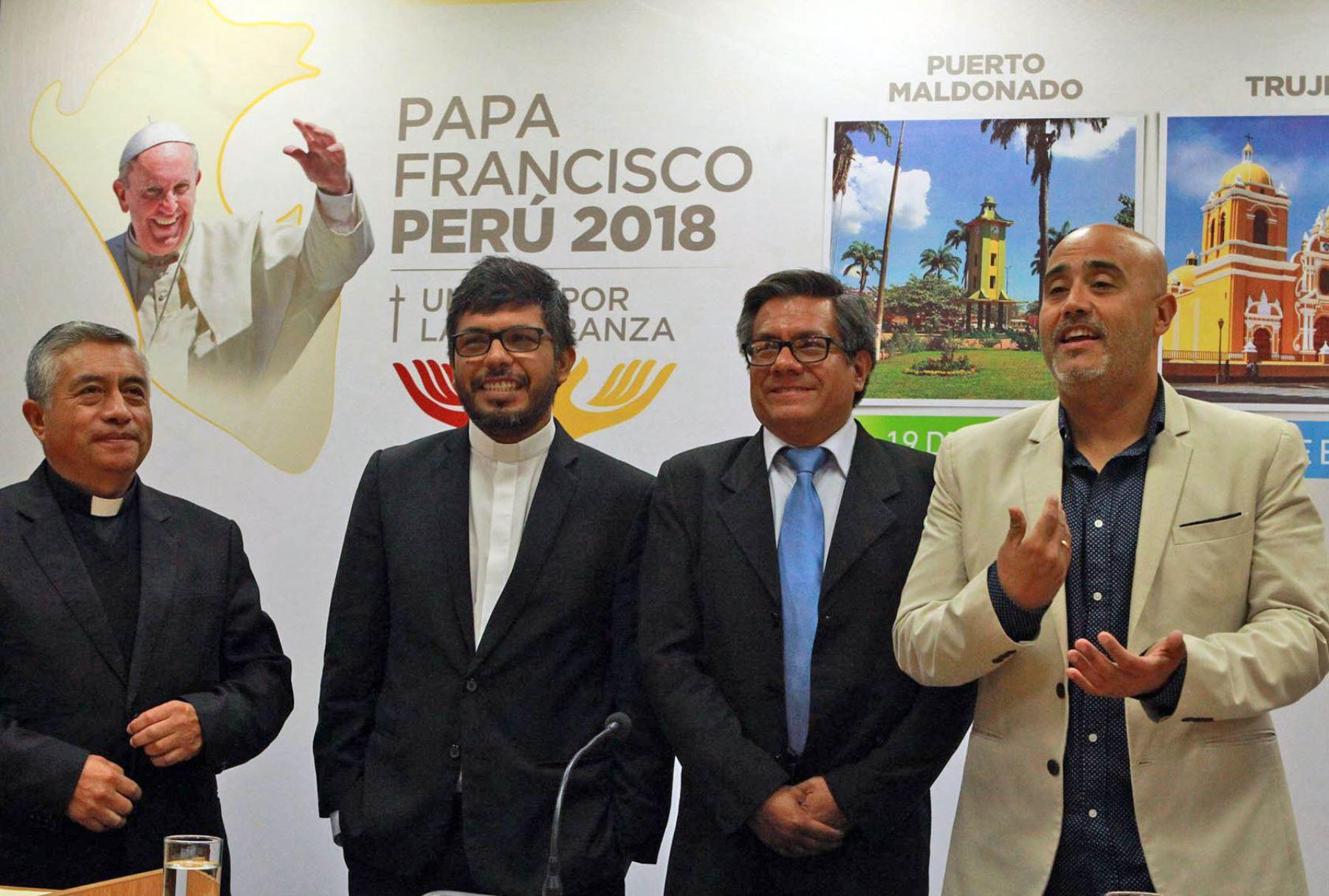 El enfado del Papa Francisco por el uso de móviles durante misas