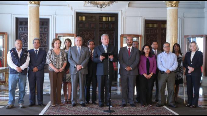 Ministros expresan respaldo incondicional a Ana Jara