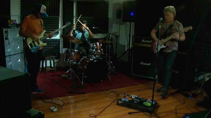Los Patanes estrenan disco producido por tecladista de Soda Stereo