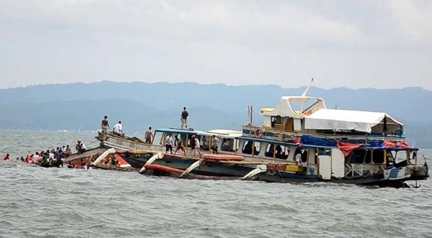Más de 30 muertos en trágico naufragio de un ferri en Filipinas