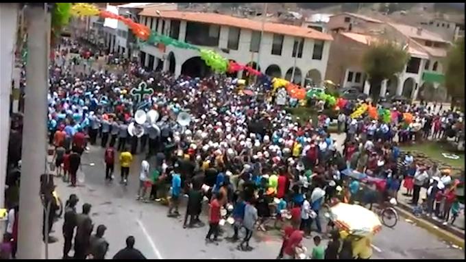 Así se vive el carnaval en Huaraz