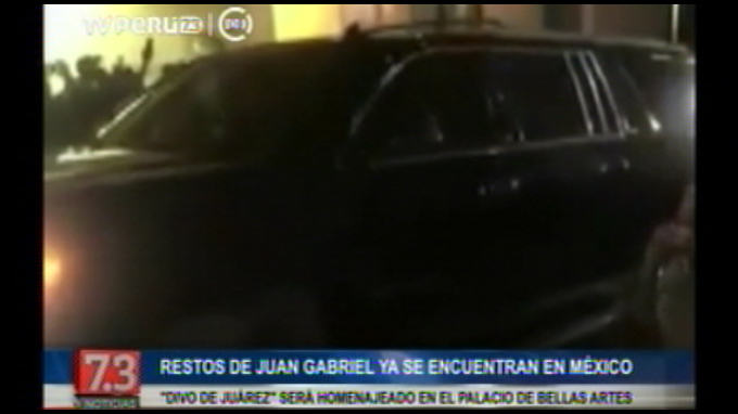 Restos de Juan Gabriel llegaron a México