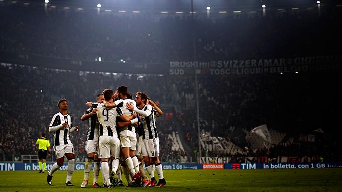 Juventus superó al Atalanta por 3-1 y lidera la Serie A