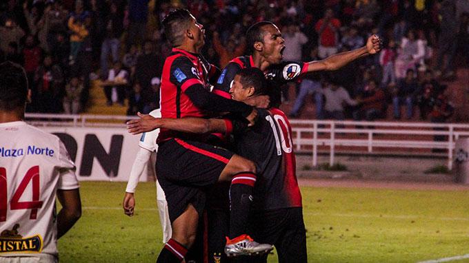 Melgar clasificó a la final tras empatar 2-2 con Universitario