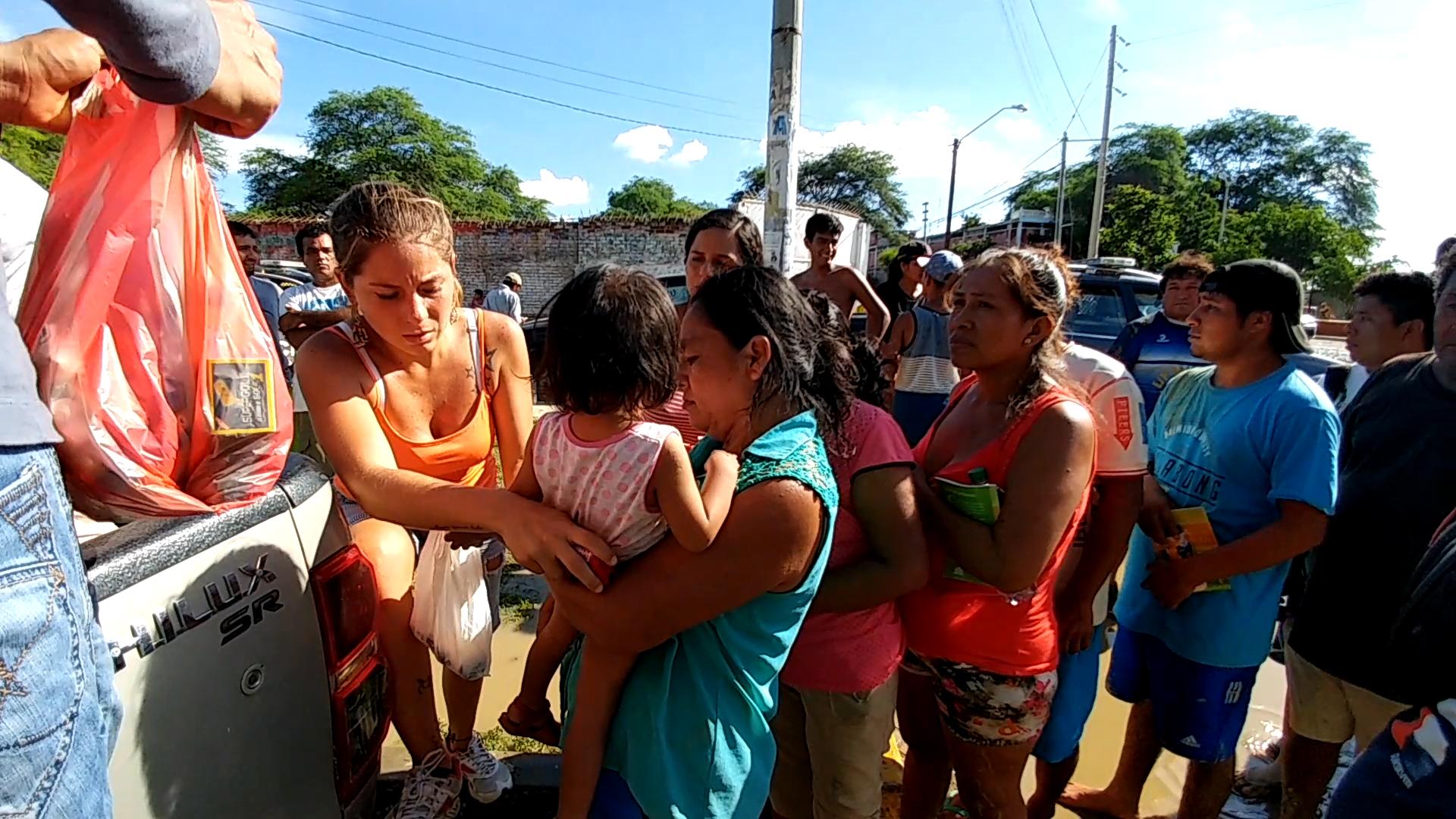La inundación en Catacaos baja lentamente