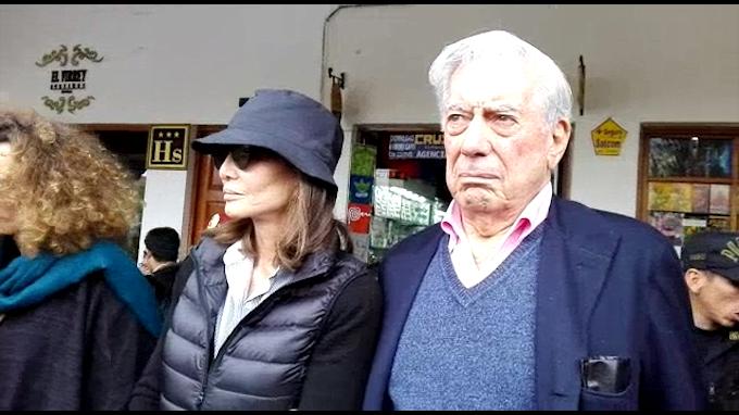 Mario Vargas Llosa llega a Cusco con Isabel Presley