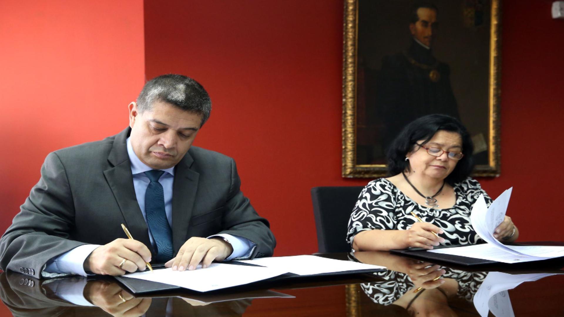Firman convenio que pone en valor ediciones históricas de Diario El Peruano