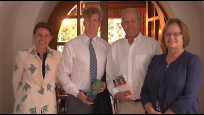 Mandatario recibió visita de excongresista de EE. UU. Patrick Kennedy