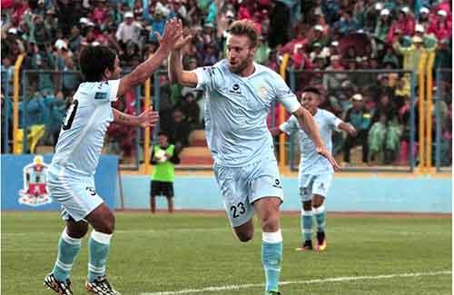 Real Garcilaso obtiene la punta del Torneo Apertura