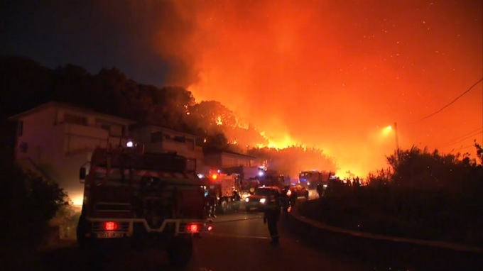 Incendios forestales arrasan 3,000 hectáreas en el sur de Francia