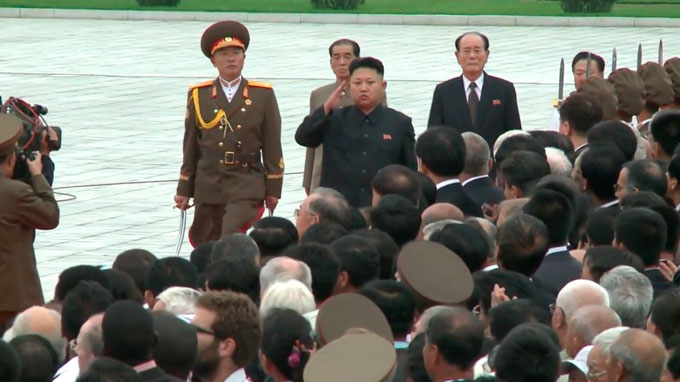 Kim Jong-Un se distancia del plan para lanzar misiles en Guam