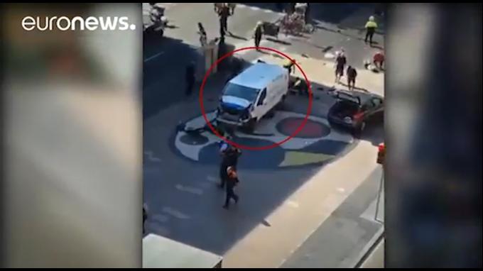 Presunto autor prófugo de atentado en Barcelona podría estar armado