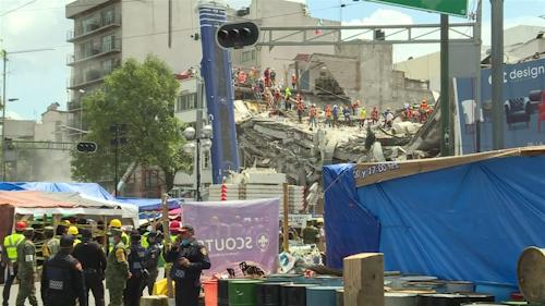 México: rescates se concentran en edificio de la capital