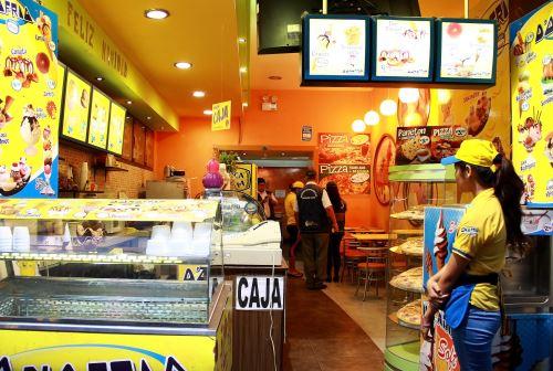 Clausuran restaurantes donde se encontraron cucarachas for Utensilios para restaurantes