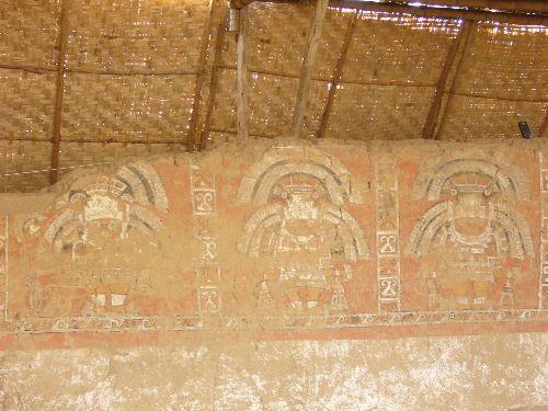 En Úcupe existen importantes vestigios arqueológicos.